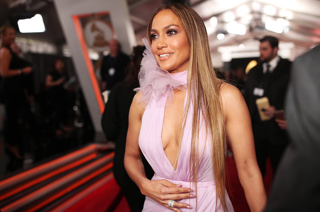 jennifer-lopez-grammys-red-carpet-2017-billboard-1548