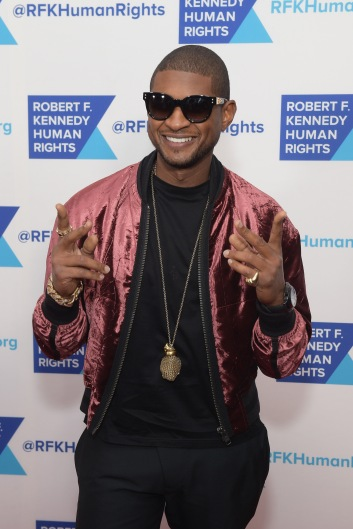 NEW YORK, NY - DECEMBER 13: Usher attends Robert F. Kennedy Human Rights Hosts Annual Ripple Of Hope Awards Dinner on December 13, 2017 in New York City. (Photo by Jason Kempin/Getty Images for Ripple Of Hope Awards)
